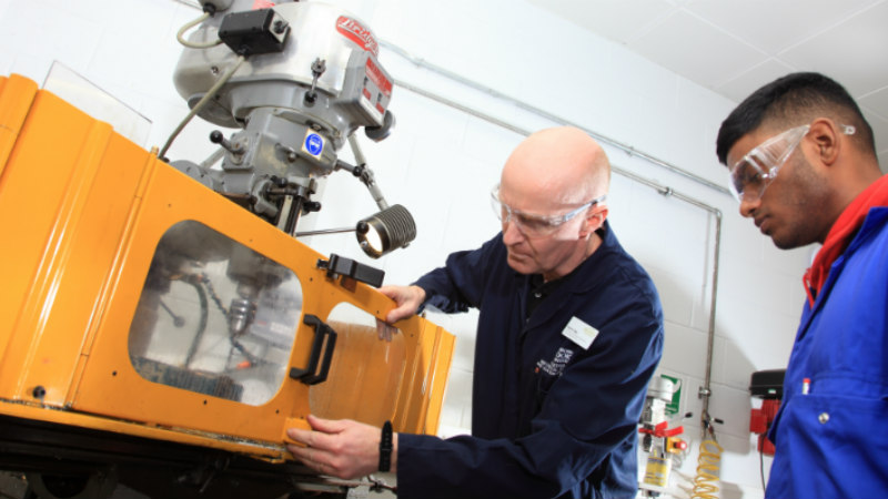 hnc mechanical engineering coursework Who is the programme for who would benefit from the course and who is it aimed at the btec higher national qualifications in mechanical engineering is aimed at students wanting to continue their education through applied learning.