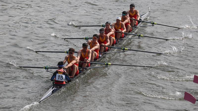 Oxford Brookes win Head of the River race, while Sir Steve Redgrave's university-hosted Chinese team come in sixth.