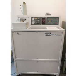 Baltec HMP 010 high pressure freezer