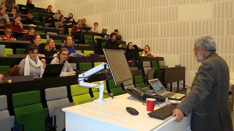 Prof Pritam Singh lectures at the University of Amsterdam