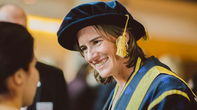 Brookes congratulates Chancellor Dr Katherine Grainger on winning silver at Rio