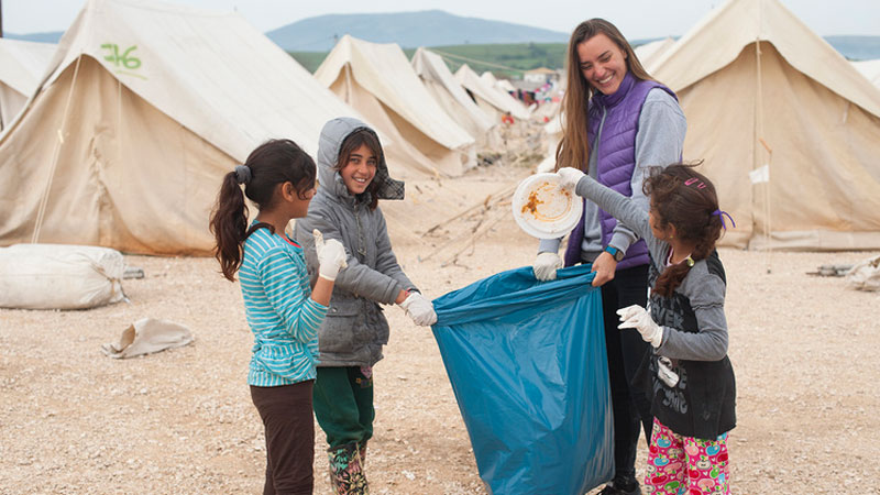 Brookes lecturer takes time out to volunteer at refugee camp in Greece