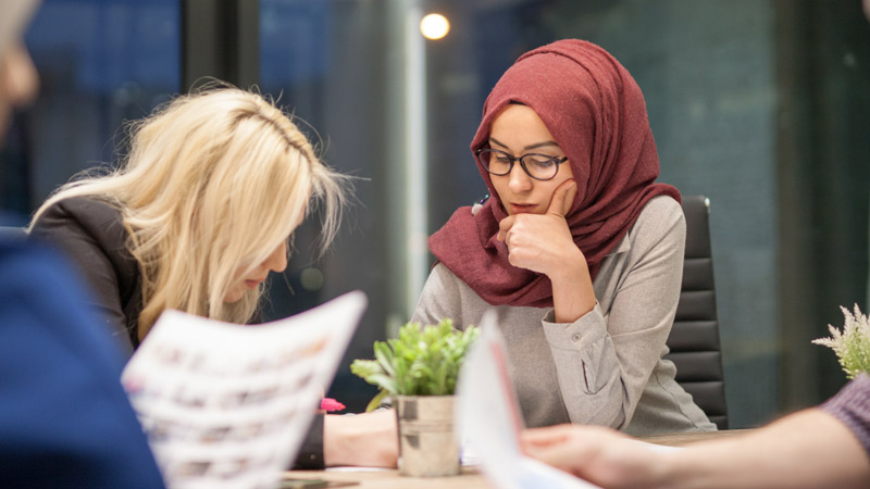 Young Muslims in the UK face enormous social mobility challenge, research finds