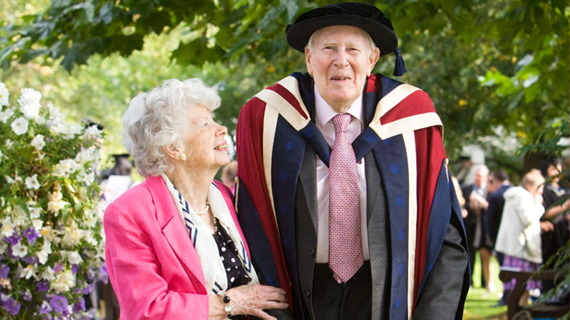 Sir Roger Bannister receiving his honorary degree