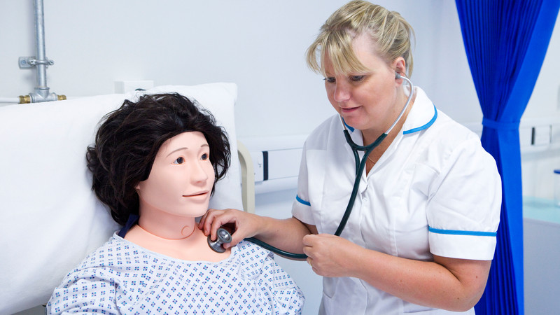 Brookes and local NHS Trusts encourage applications to nursing, midwifery and allied health professional courses