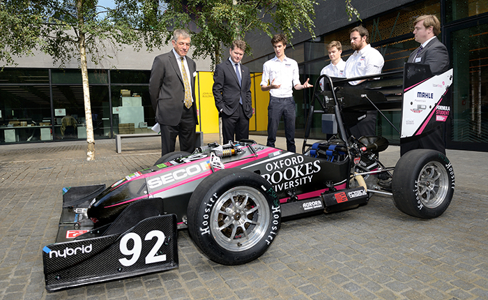 The US Ambassador meets with members of Oxford Brookes Racing and Brookes Union President Andy Pedersen