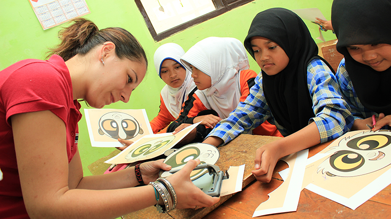 Teaching Indonesian children natural history