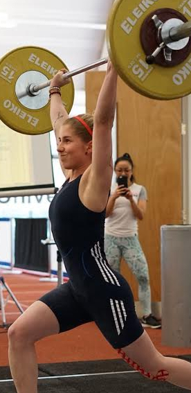 Karolina successfully lifting