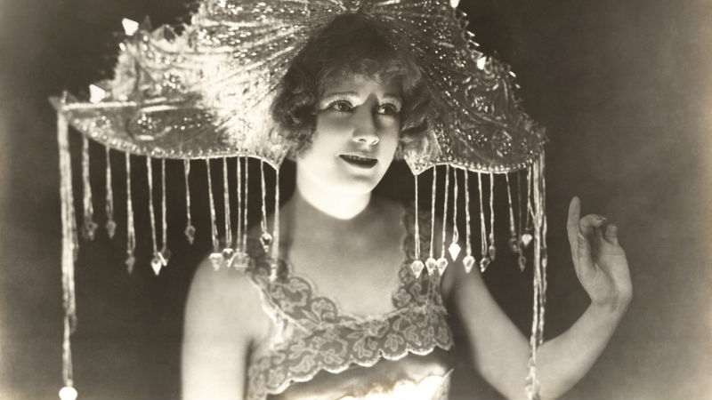 1920s Flapper style image