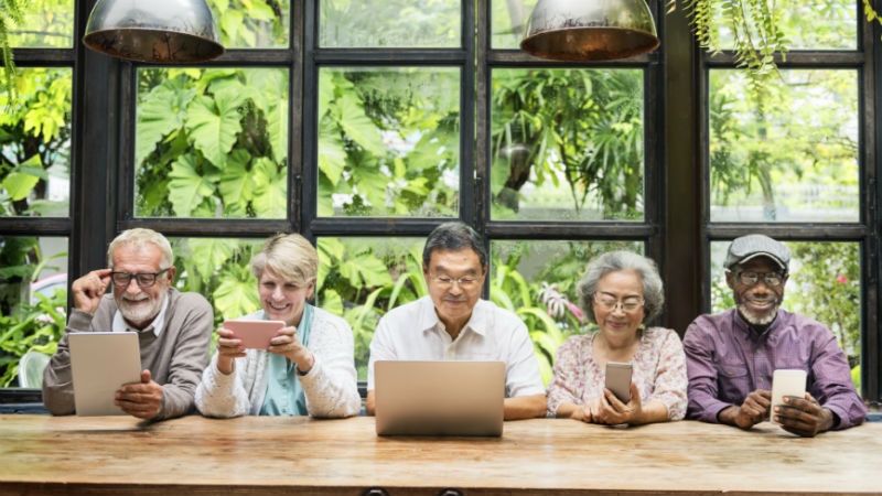 Older peoples' online photo sharing habits